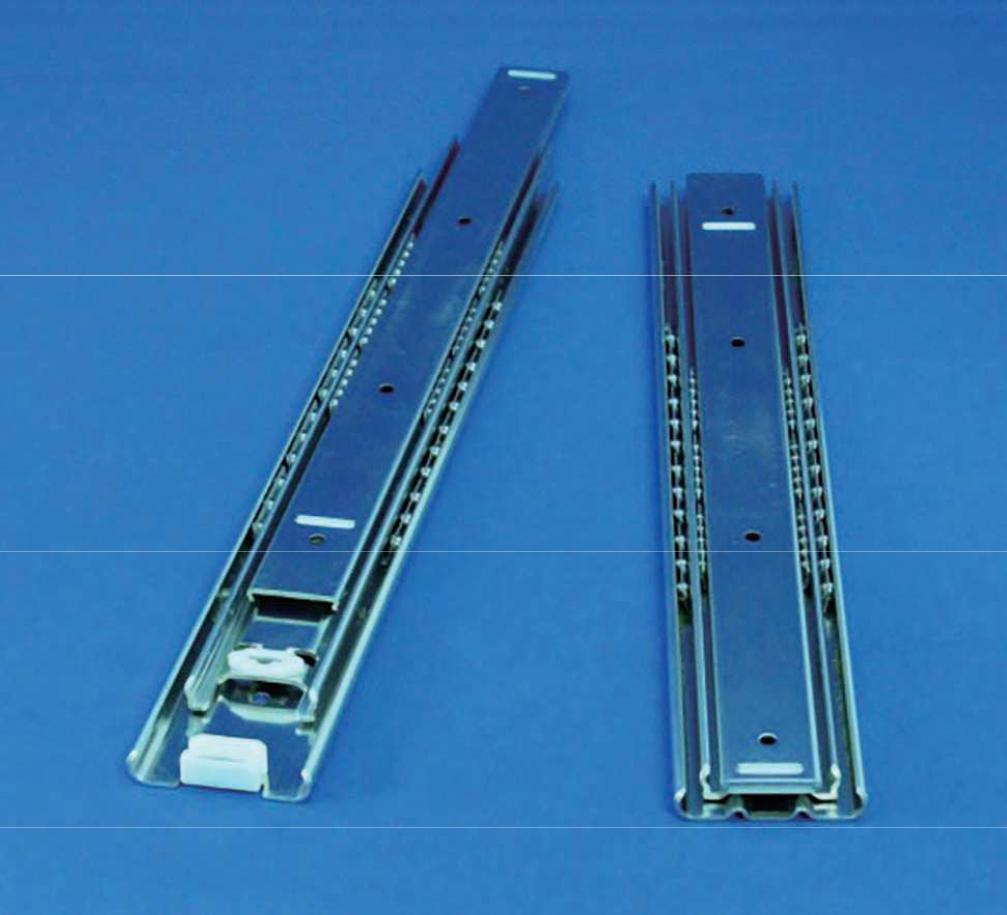 厚み12.7ミリ、収納時保持機構付きの3段引きオーバートラベルスライドレール C511