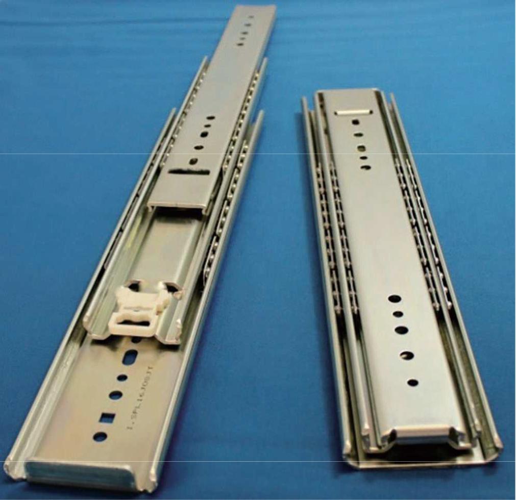 重量用(耐荷重約1800N)、M5M6ネジ対応した、オーバートラベルスライドレール C690